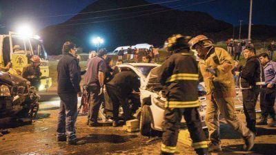 Una pareja herida en un choque frontal frente al Chalet Huergo