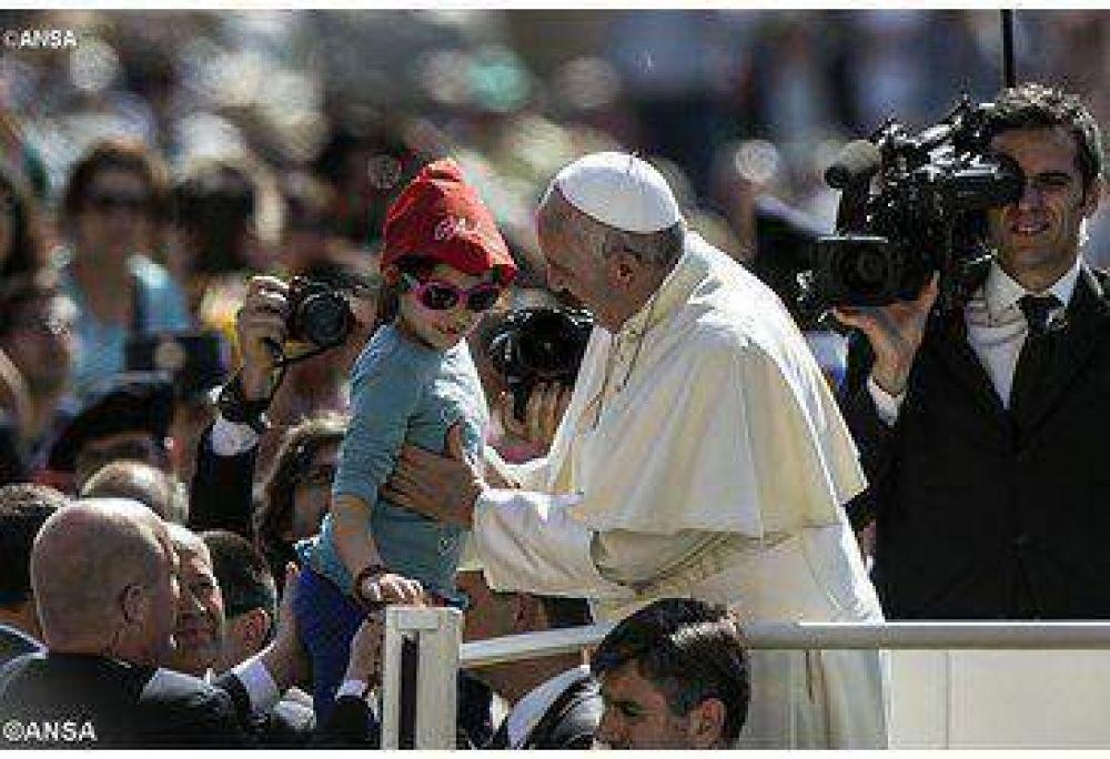 Puerta de ingreso en el amor de la familia, el Papa en la Audiencia General