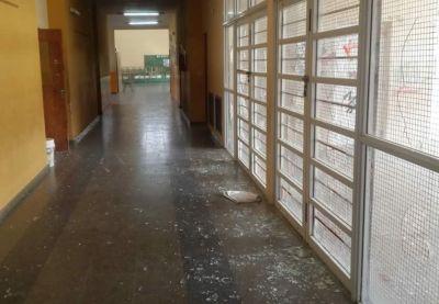 El Consejo Escolar repuso vidrios dañados