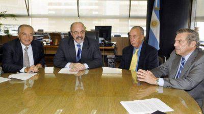 Comercio se alinear� con Econom�a y firmar� un aumento del 27% a pagar en dos cuotas