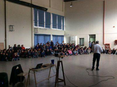Sergio Levin expuso sobre seguridad vial en escuelas