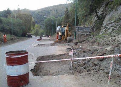 Reclaman a Vialidad que repare el asfalto del ingreso a Potrero de los Funes
