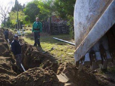 Comenzaron obras para que el 100% de Villa Gesell se conecte a la red de agua