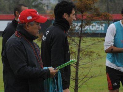 El Tolo Gallego dibuja el once titular de Newell's para enfrentar a Argentinos
