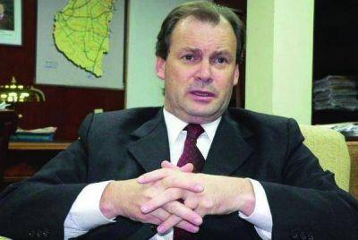 Bordet aseguró que en la negociación salarial, hubo actitudes de presión y tensión