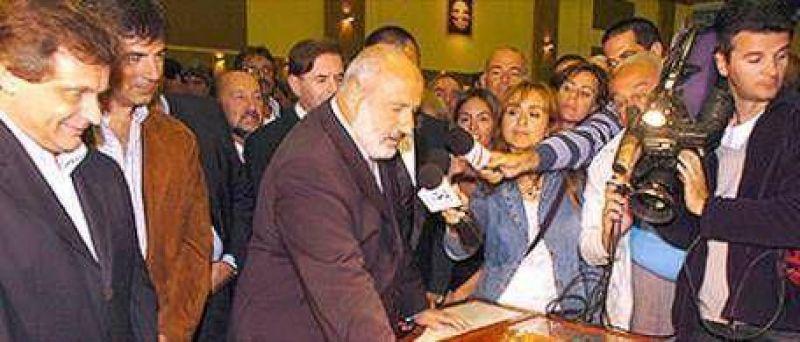 Peluso aseguró que se va sin que Scioli lo eche