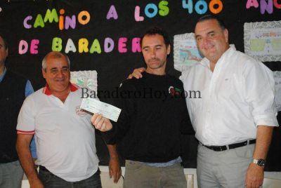 El Intendente Carossi entregó un subsidio a la obra literaria de Carlos Rafael Conti.