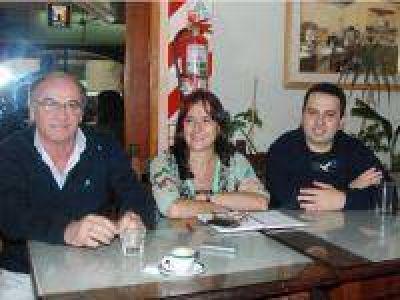 El Frente Amplio lanza la candidatura al Senado Provincial de Virginia Linares en Gonzales Chaves.