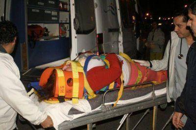 Fuerte choque en Autovía y calle Corrientes: mujer herida