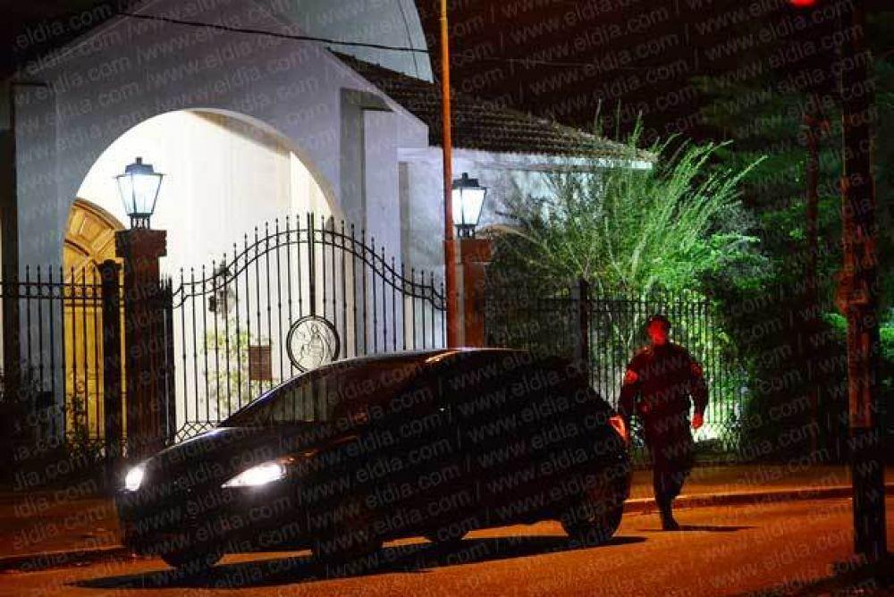 Un sacerdote sobrino del papa Francisco denunció amenazas en Villa Elisa
