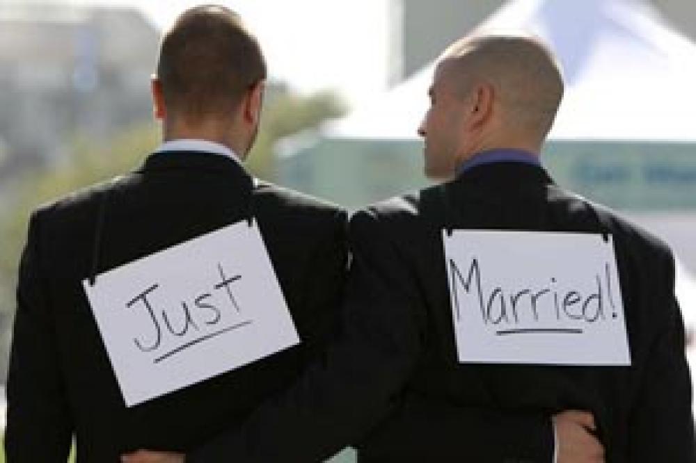 Mayor iglesia protestante francesa aprobó bendición de parejas gay
