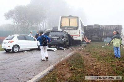Una mujer murió y más de 30 personas sufrieron heridas en un choque múltiple en La Pampa