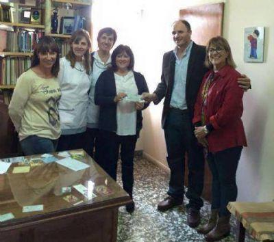 El diputado Santiago entregó un subsidio al Instituto San José de Rojas
