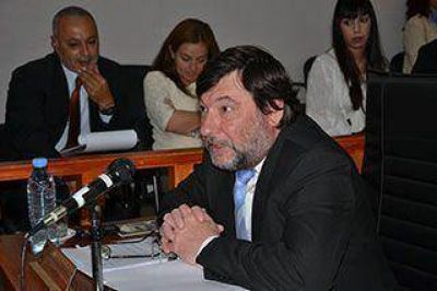 Fernández presentó su renuncia y asumiría D'Andrea