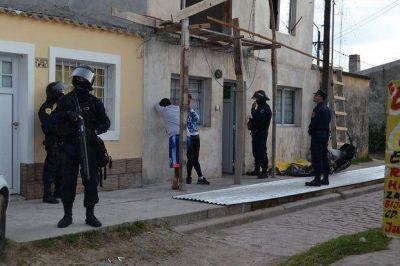 Cinco allanamientos en el barrio Yapeyú por el robo de motocicletas