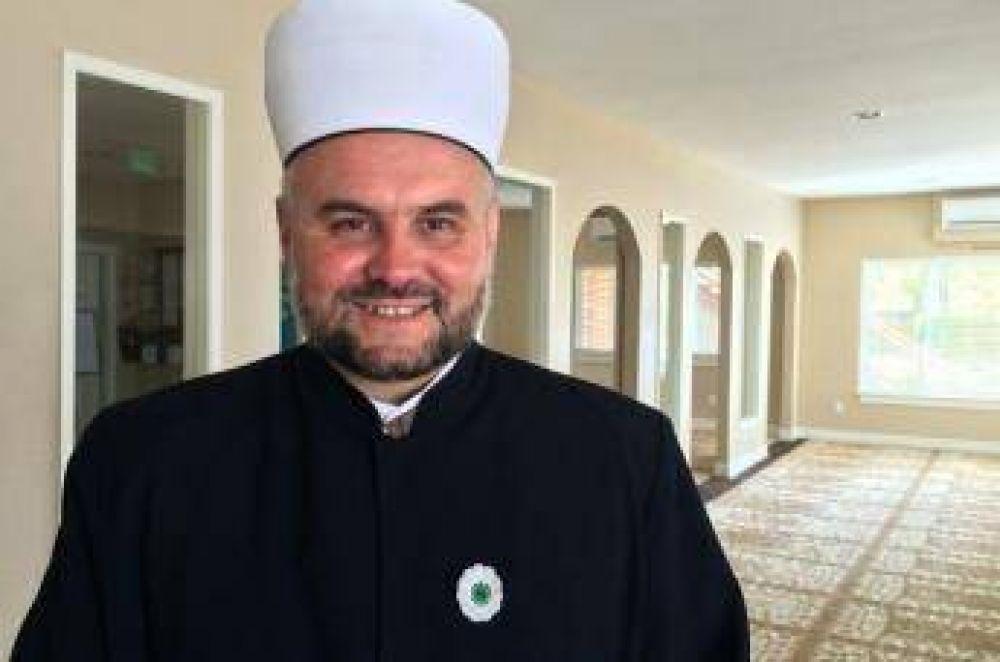 Primer musulmán graduado de una universidad católica en los EE.UU