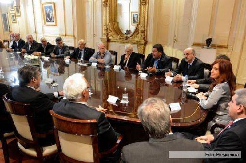 Anunciaron los acuerdos paritarios con cinco gremios, cercanos al 27%