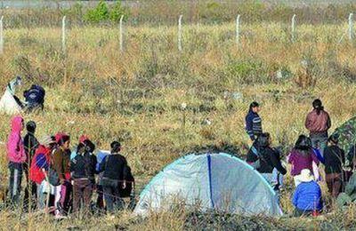 Continua la toma de tierras en Campo Verde