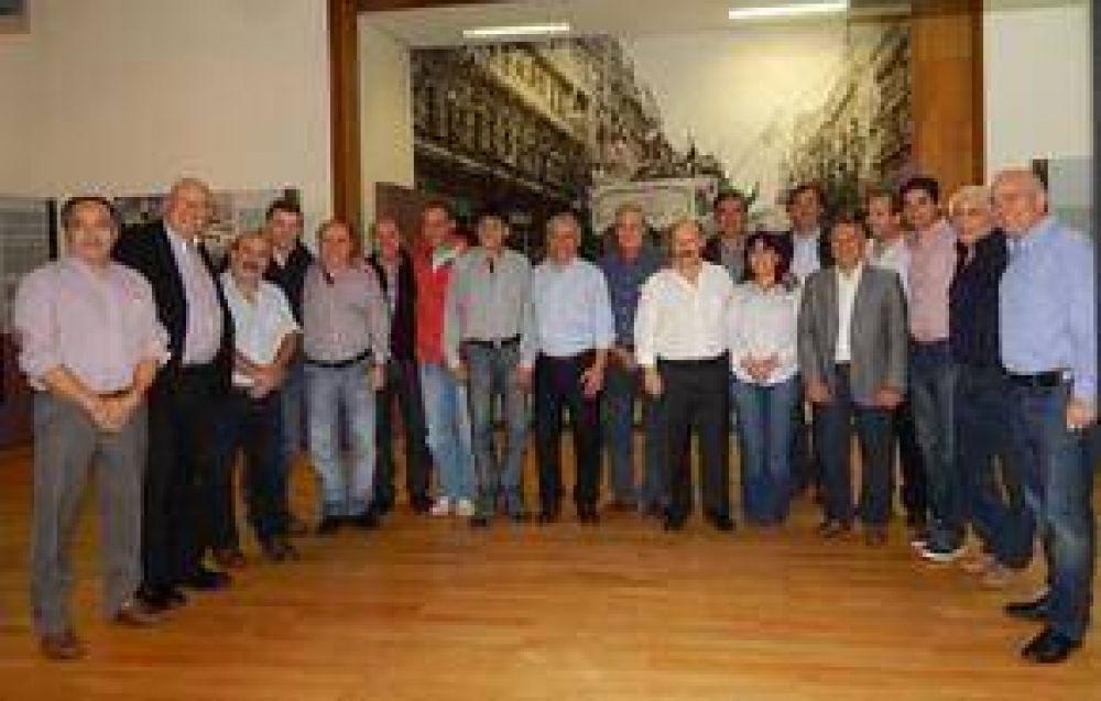 Inza participó de una nueva reunión del G-30 donde se ratificó el liderazgo de CFK