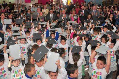 250 chicos de la ciudad de San Luis recibieron sus computadoras