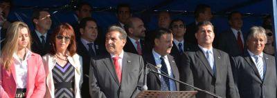 La Rioja celebró su 424° Aniversario con un colorido desfile en el Parque de a Ciudad
