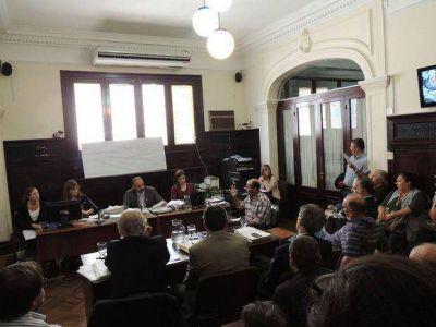 Comenzó el juicio a Pérez y González, y más de 70 asambleístas acompañaron