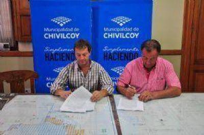 Firmaron los contratos para la obra de cloacas en los barrios Obrero y Autoconstrucción