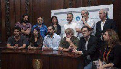 La oposición busca sesión especial por talleres clandestinos
