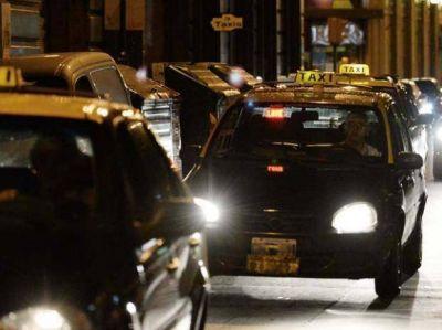 Dos taxistas fueron blanco de violentos asaltos en la noche rosarina