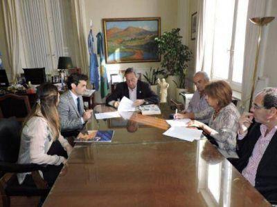 El Municipio y la Fundación OSDE firmaron un convenio para desarrollar un programa de capacitaciones en Reanimación Cardio - Pulmonar