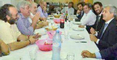 Se acercan las PASO y se multiplican las reuniones