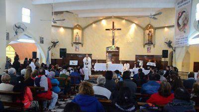 La comunidad católica rinde culto a Santa Rita de Casia