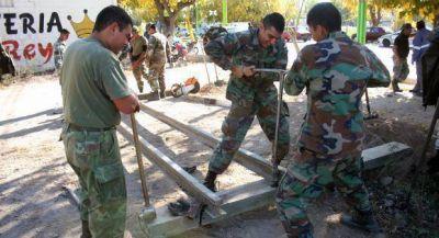 Un grupo de soldados mendocinos arreglan 18km de v�as del ferrocarril