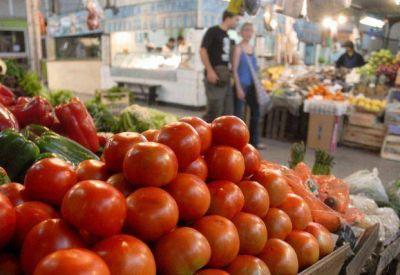 El tomate por las nubes: en la Ciudad hasta 40 pesos el kilo