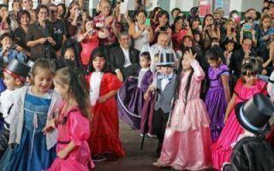 Ferraresi particip� de los festejos por la Semana de Mayo en un colegio de Avellaneda