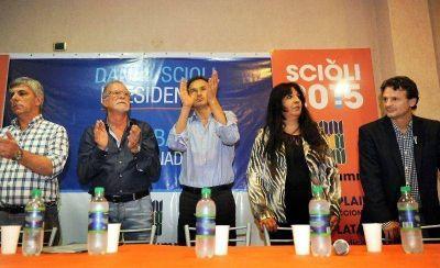 El ex denarvaista Plaini lanzó su agrupación ultrasciolista y anibalista de la mano de los Bruera