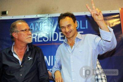 """El """"moyanista"""" Omar Plaini encabezó junto a Bruera un acto bajo el lema """"Scioli Presidente"""""""