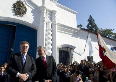 """El intendente vuelve a """"coquetear"""" con el kirchnerismo"""