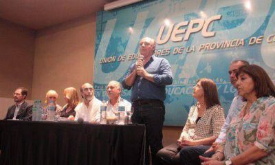 Accastello firmó acta compromiso con Uepc para derogar Ley 10.078