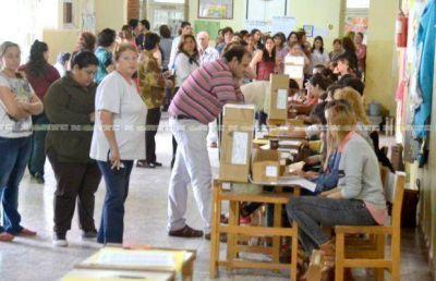 Sáenz Peña vota en medio de ausencias y faltantes de boletas