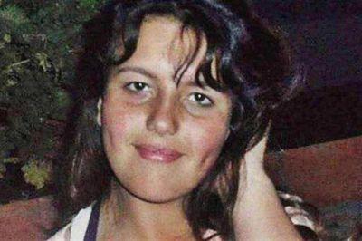 La autopsia al cuerpo de Catherine Moscoso indicó que fue enterrada viva en el médano