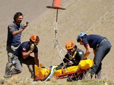 Rescataron en helicóptero a un joven fueguino accidentado en Mendoza