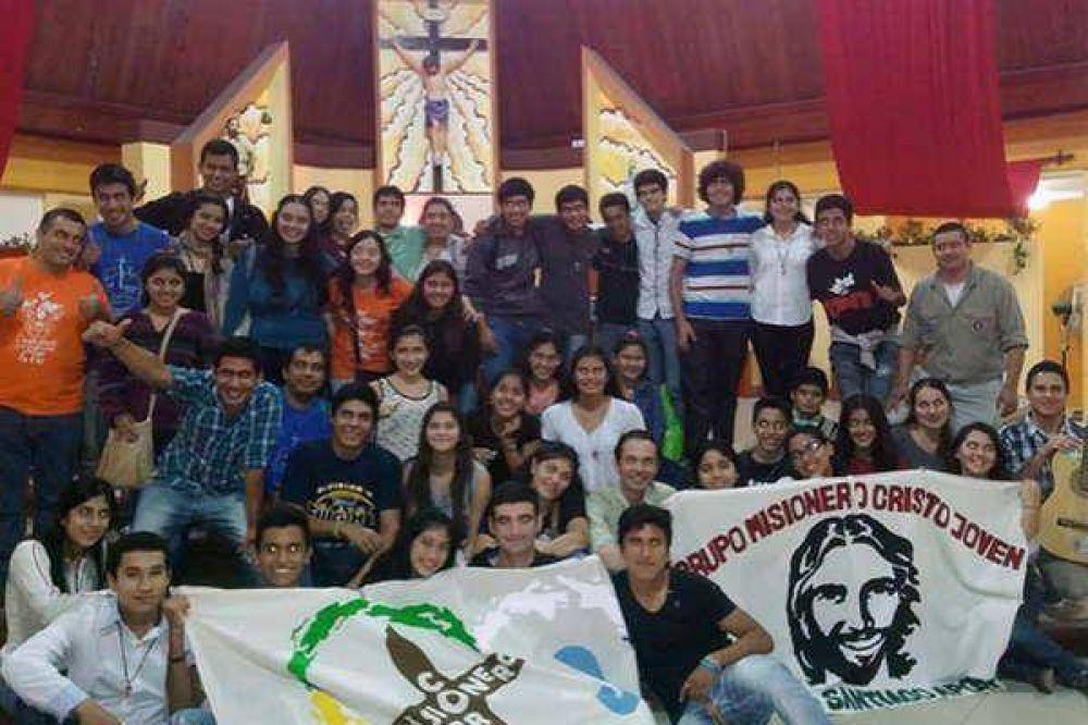 Jóvenes bandeños celebraron Pentecostés con una gran vigilia en la parroquia Santiago Apóstol