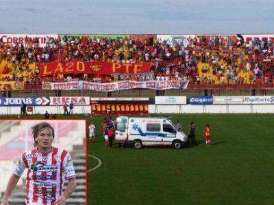 Murió el jugador Cristian Gómez de Atlético Paraná: Se había descompensado en pleno partido