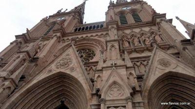 Destaca el Gobierno la restauración integral de la Basílica de Luján