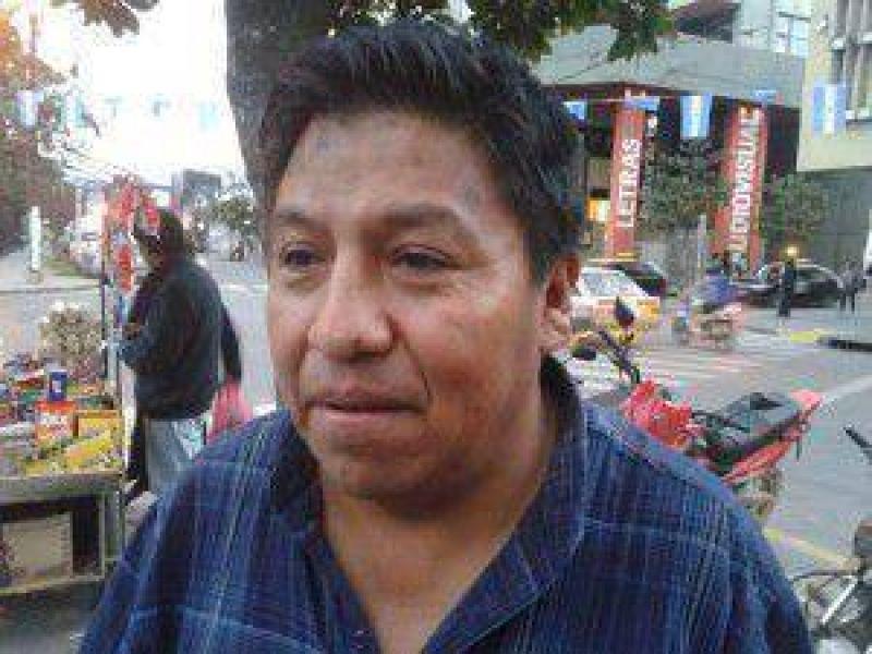 Peones de taxis amenazan con iniciar medidas de fuerza ma�ana martes