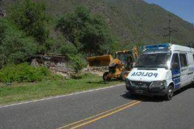 Alertan por la peligrosidad de los derrumbes camino a El Rodeo