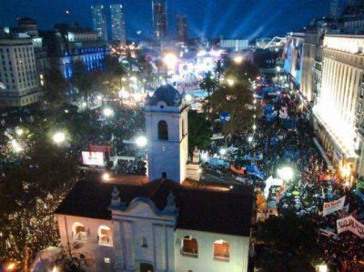 Mas de 800 mil personas disfrutaron de los festejos en Plaza de Mayo