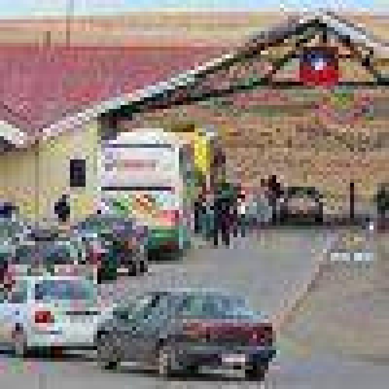 Funcionarios de aduanas rechazan propuesta de gobierno y contin�an en paro