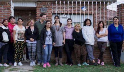 Sch�trumpf y Vuoto compartieron un locro con vecinos del Barrio El Martillo